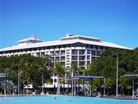 Exterior of Resort – Mantra Esplanade Cairns